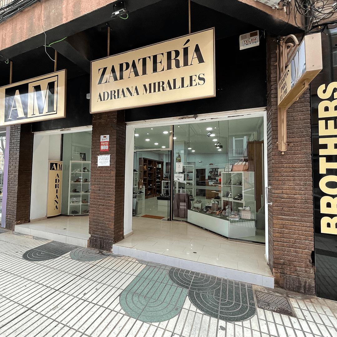 Zapatería Adriana Miralles